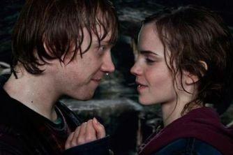 Ron-Hermione-Kiss-Scene